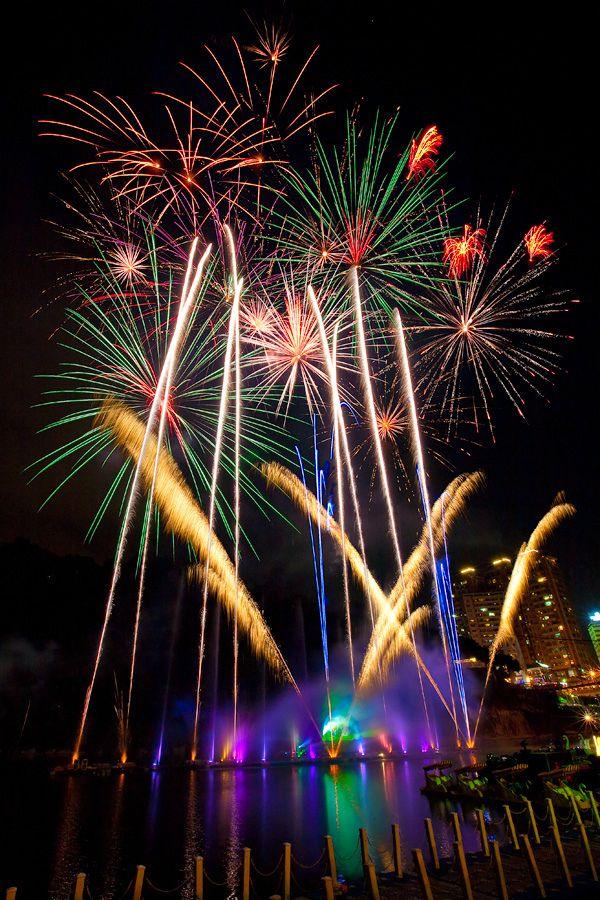 FIREWORKS~Bitan Firework Festival, Taiwan