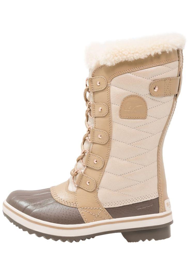 ¡Consigue este tipo de botas de nieve de Sorel ahora! Haz clic para ver los detalles. Envíos gratis a toda España. Sorel TOFINO HOLIDAY Botas para la nieve beach/fawn: Sorel TOFINO HOLIDAY Botas para la nieve beach/fawn Zapatos | Material exterior: piel/tejido sintético, Material interior: felpa, Suela: fibra sintética, Plantilla: felpa | Zapatos ¡Haz tu pedido y disfruta de gastos de enví-o gratuitos! (botas de nieve, snow, schneestiefel, botas de nieve, bottes de neige, scarponi ...