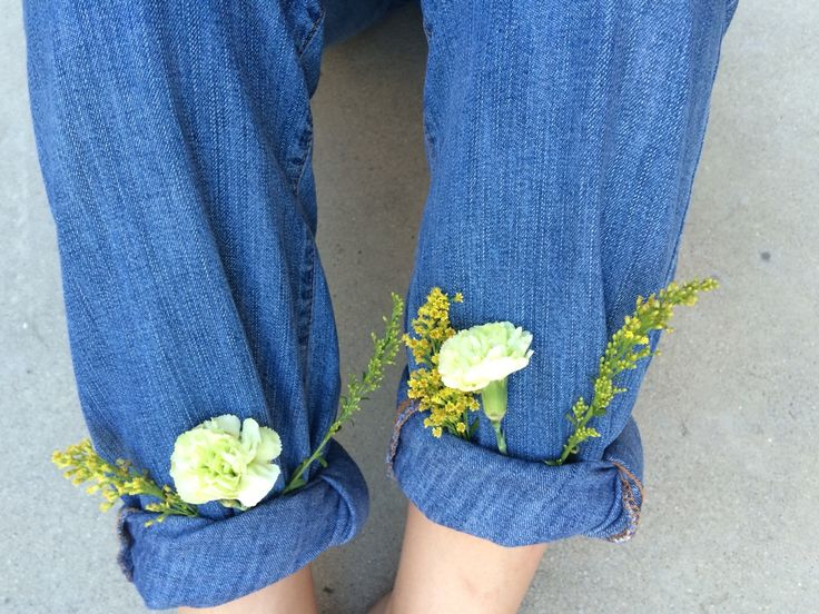 "eggkido: "" throwback to when i thought it would be cool to put flowers in my jeans!! """