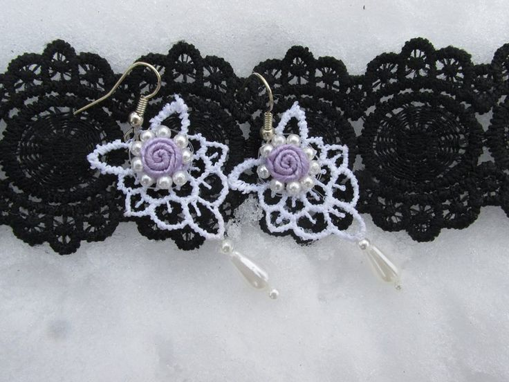 Delicat small soutache earring with lace and little pearls!