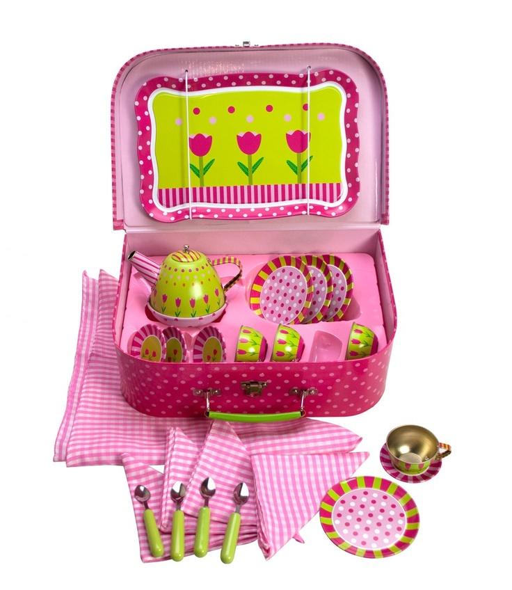 JUEGO DE TÉ - FLORES. Encantador juego de té con diseño de dulces flores para jugar a merendar con sus amigas.Está hecho de hojalata que es muy resistente y duradero, Incluye una tetera, tazas, platitos, cucharas, una manta de picnic, servilletas y una bandeja.  Todo cuidadosamente embalado en un estuche precioso para facilitar su transporte.  REBAJAS en todos nuestros Juguetes en General. 30% de Descuento