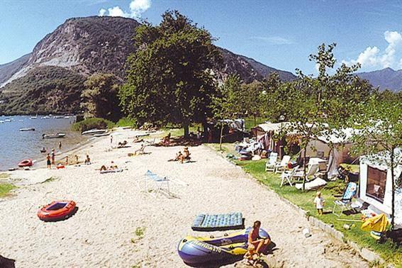 Camping Holiday - Lago Maggiore - Feriolo (CC)