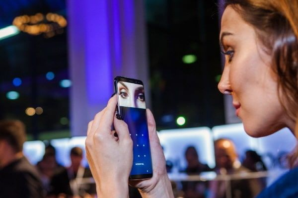 "IRIS Scanner on Galaxy S8 cannot be fooled - Samsung Ssamsung Electronics has defended it's facial recognition feature on the new Galaxy S8, the Iris Scanner by saying that the feature cannot be fooled.    Samsung said on Thursday that it is not easy to fool the Galaxy S8's iris recognition, hitting back at a claim by a group of German hackers who said they had cracked the phone's iris scanner.  ""Although the one-minute video (that shows the sensor being fooled with a dummy eye) appears…"