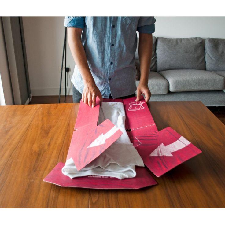 Plieur de Tee shirt en carton | Suck UK @bonjourbibiche #astuce #rangement #linge