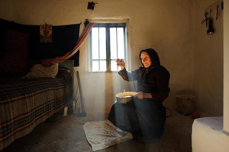 Romanian woman  photo: Vlad Dumitrescu
