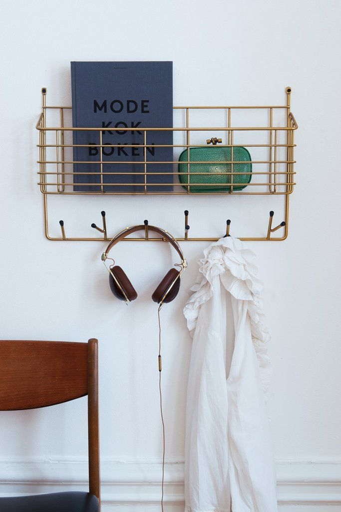 Mitten Shelf is a highly practical wall mounted basket. Apart from the basket it has a few hooks for hanging your stuff too. Fits the hallway, bathroom, bedroom and livingroom as well.