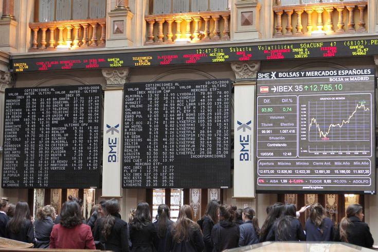 La crisi della Catalogna accelera un ribasso già in atto: l'Indice azionario spagnolo Ibex 35 sotto la lente - L'Ibex 35 quota in area 10.135 ma i massimi annuali sono stai segnati nel mese di maggio a 11.184,40. Cosa attendere nel mese di ottobre? Ibex 35 Trend ribassista 1 10.775 2 10.400 Cosa significa? Che nel mese di ottobre potrebbe essere possibile un ritorno in area 10.400 pur conservando...