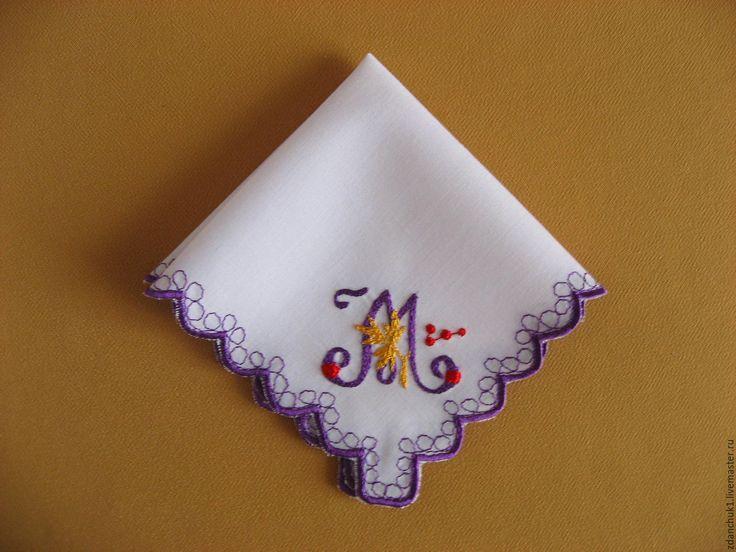 """Купить Платочек вышитый буква """"М"""". - платочек с вышивкой, гладь, алфавит, буквы, буквы на заказ"""