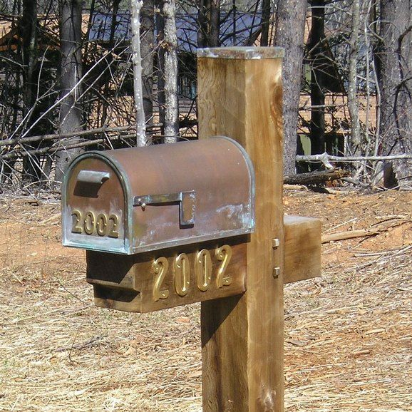 Best 25 rustic mailboxes ideas on pinterest mail box for Mailbox post ideas