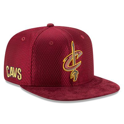Men's Cleveland Cavaliers New Era Maroon 2017 NBA Draft Official On Court Collection 9FIFTY Snapback Hat