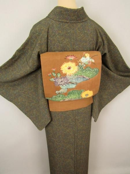 ◆衣紋屋◆0642 紅型文様 名古屋帯 紬ちりめん 正絹 茶 *****_画像2
