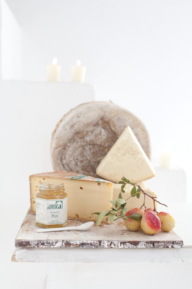 Cheese Gluten Free Spread Recipe. Use Absolutely Gluten Free Crackers and make it gluten free. www.absolutelygf.com #Cheese #Crackers #Appetizers #Glutenfree #Recipes #Absolutelygf