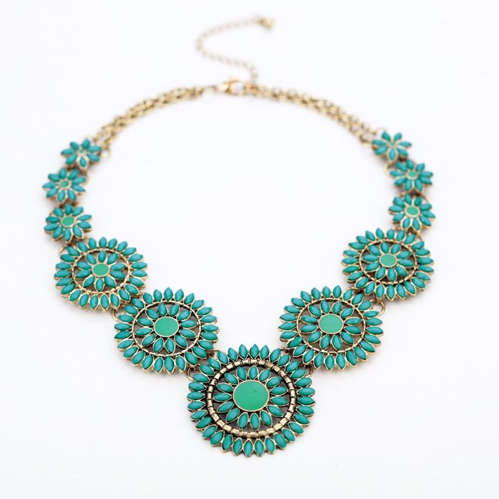 Graceful Turquosice Pendant Necklace