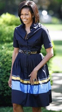 Flotus in a full, shirtdress.....pretty!