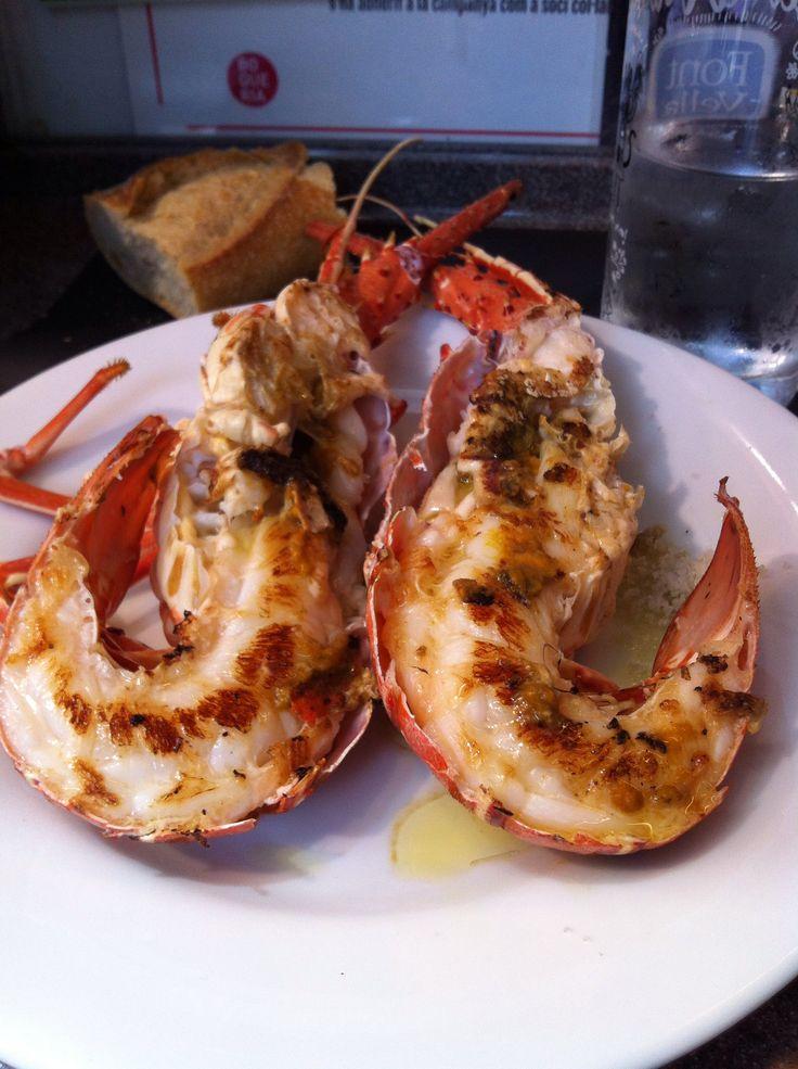 Lobster breakfast at El Pinotxo. Boqueria market. Barcelona
