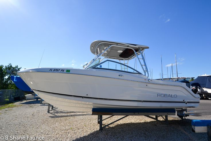 2013 Robalo R247 | Dual Console | 813.444.9248 | Boats to Yachts | Blog