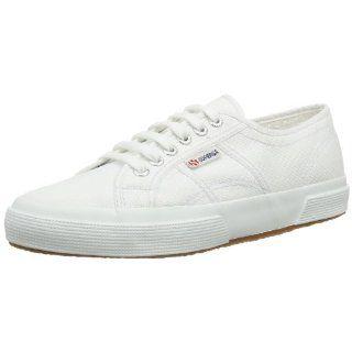 Link: http://ift.tt/1TF495S - SCARPE DA GINNASTICA: I 14 MODELLI MIGLIORI A MAGGIO 2016 #tempolibero #scarpeginnastica #scarpe #ginnastica #sport #allenamento #training #palestra #fitness #corsa #correre #nike #kappa #adidas #puma #superga => Le 14 scarpe da ginnastica più tecnologiche e sfiziose - Link: http://ift.tt/1TF495S