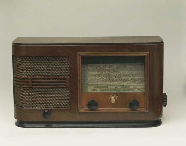 Radio tra vintage e antiquariato:  radio radiomarelli