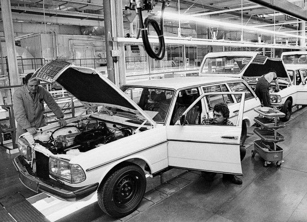 #Mercedes Benz W123 T assembly line #MercedesBenzofhuntValley