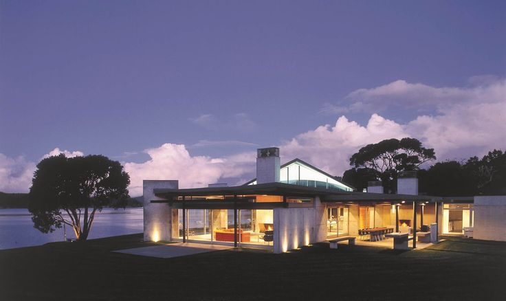 The Home of the Year 2004 was this Bay of Islands holiday home by Pete Bossley. Photograph by Patrick Reynolds.