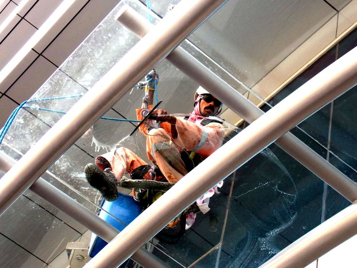 External Glass Cleaning Companies In Dubai
