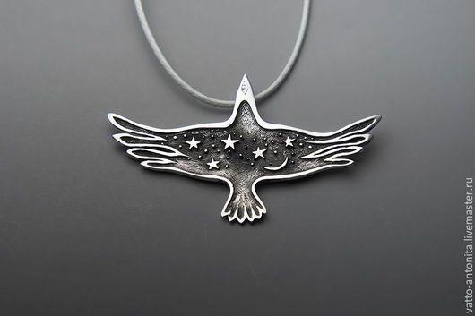 Кулоны, подвески ручной работы. Птица Ночи кулон со звездами и луной в виде ворона. Анна Кирьянова Одушевлённое Серебро. Ярмарка Мастеров.
