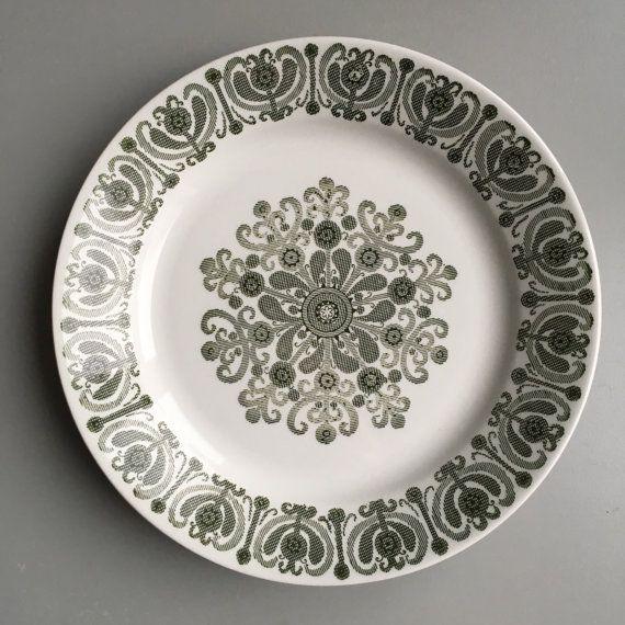 Arabia Finland 1960s - Raija Uosikkinen- dinner plate - mid century modern Scandinavian dinnerware - kitchen ware home decor