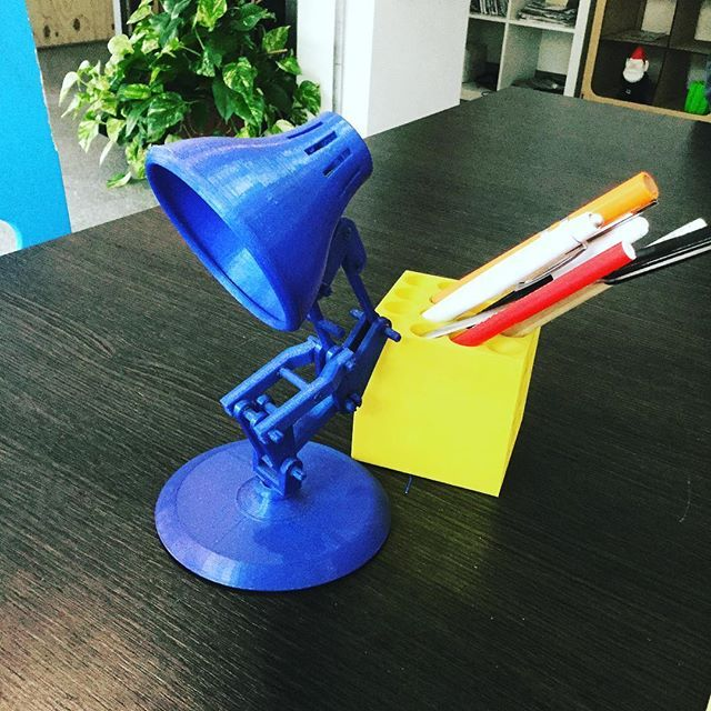 The awesome lamp fully 3D printed #3dprinting #stampa3d #kentstrapper #lamp