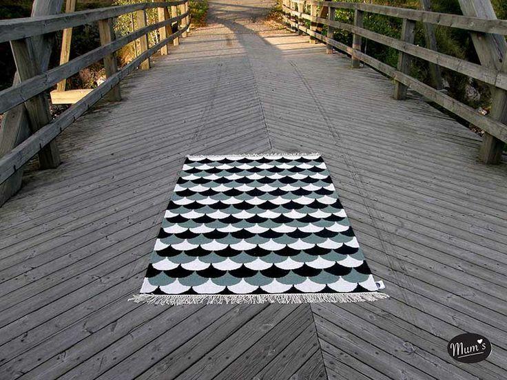 Suomu-matto. Koko 170x110cm. 100% orgaanista intialaista villaa. #habitare2014 #design #sisustus #messut #helsinki #messukeskus