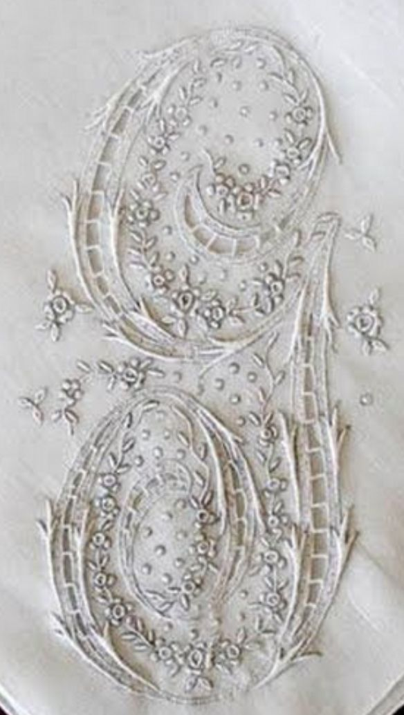 ⌖ Linen & Lace Luxuries ⌖ beautifully embroidered monogram G on linen