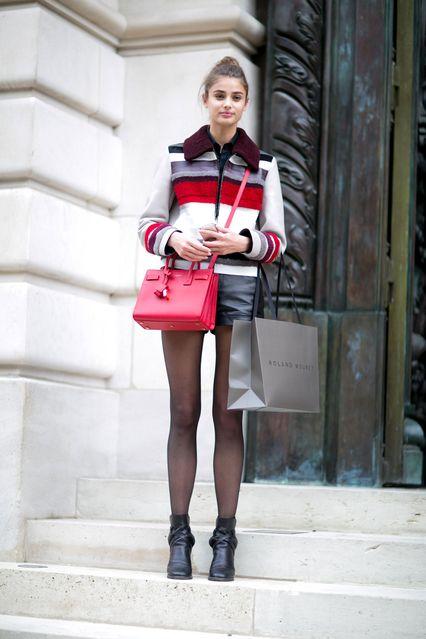 サンローランのバッグが可愛いアクセントに|Taylor Hill|SPUR.JP
