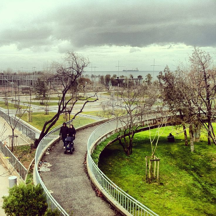 The beautiful seafront park on a moody winter day. (Walking Thessaloniki - Route 15, Faliro)