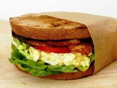 Sandwich Telur - Butuh panduan cara membuat video resep sandwich telur ceplok keju sosis ayam goreng mata sapi ala dapur umami paling sehat dan sederhana baca saja disini.