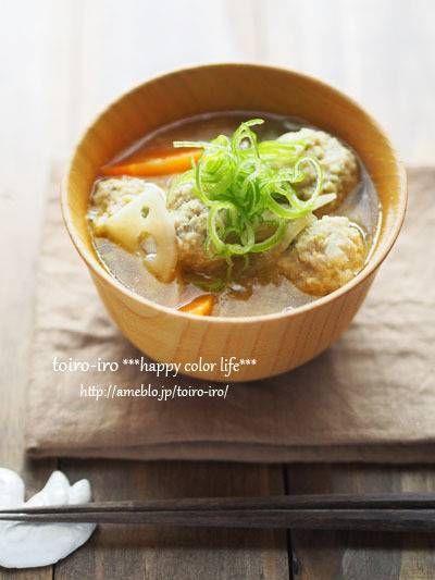 ふわふわ鶏団子と根菜のごちそう味噌汁 : トイロ