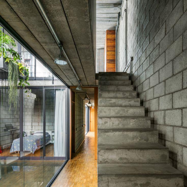 Gallery of Mipibu House / Terra e Tuma Arquitetos Associados | Concrete Stair | Straight Stair |  Circulation |