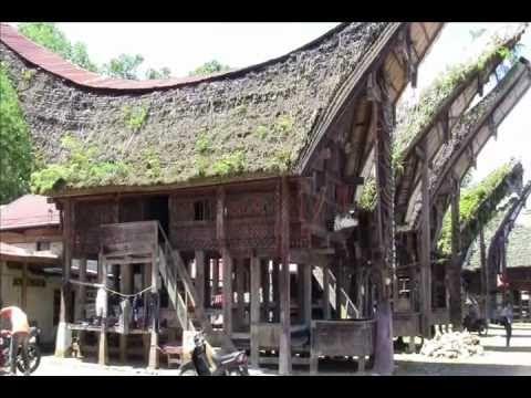 Tongkonan House - Traditional House - Rumah Tongkonan - Toraja - Indones...