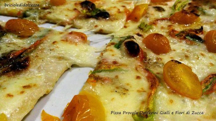 Pizza+Provola+Datterini+Gialli+e+Fiori+di+Zucca