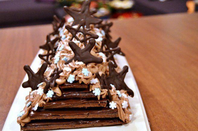 Csokis piramis torta – Karácsonyi is, gyönyörű is…ez igen! :-)