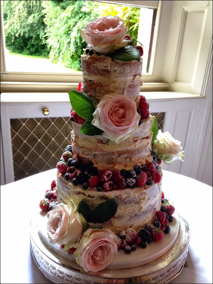 best 25 berry wedding cake ideas on pinterest recipes for fruit wedding cakes fruit wedding. Black Bedroom Furniture Sets. Home Design Ideas