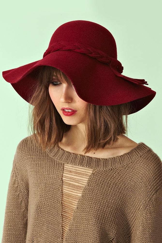 Braided Wool Hat - Wine