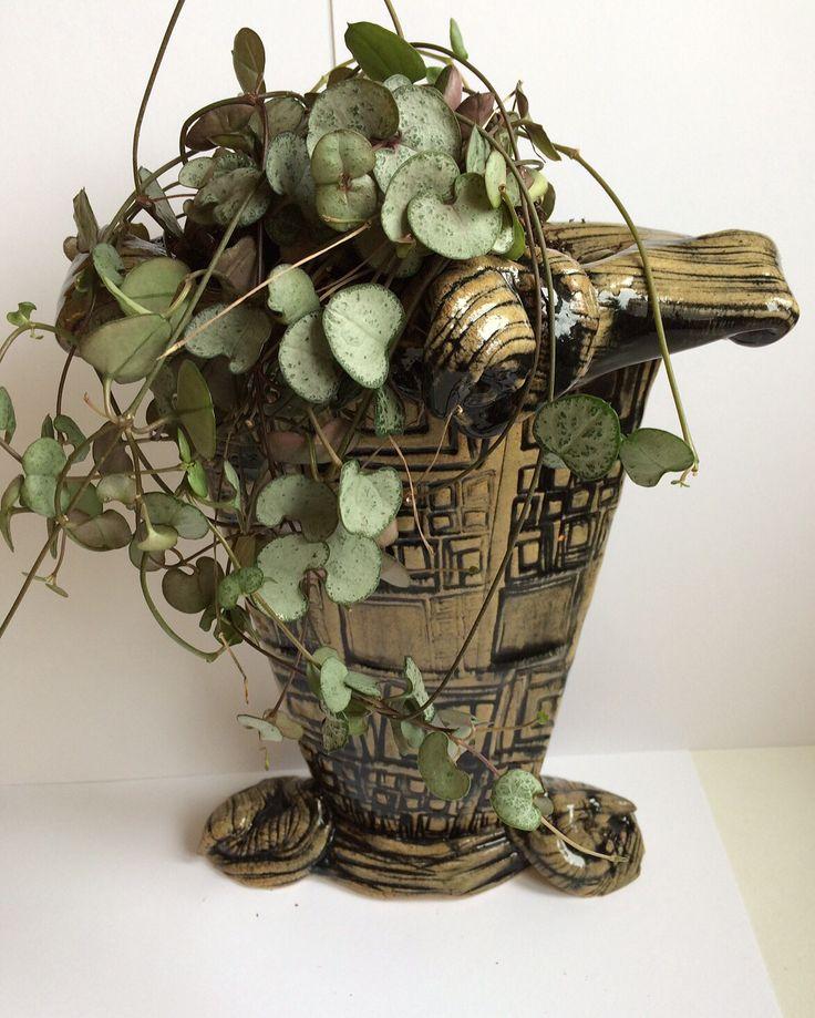 Paperclay vase a la' Lana Wilson