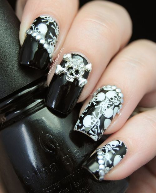 Skulls nail art(sweet just in time for Halloween)☺