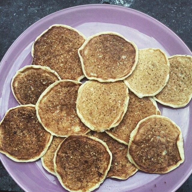 Mini oat meal pancakes / yulaflı krep #diet #healthyfood #healthyrecipes #lowcarb #sagliklitarifler #sagliklilezzetler #oatmeal #yulaf #diyetyemekleri #kahvaltiliklar #foodporn #foodstagram #leziz #delicious #instafood by nilmutfagi
