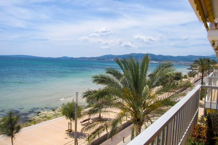 Portixol/ Es Molinar, Palma de Mallorca: First line apartment with amazing sea views in Molinar. Privileged location! 3 bedrooms, 1 bathroom, 480 000 €.