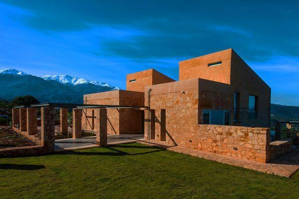 Εξοχική κατοικία στον Αποκόρωνα Χανίων Αρχιτεκτονική μελέτη: Βαρουδάκης Αριστομένης + Βαρουδάκης Γιώργος