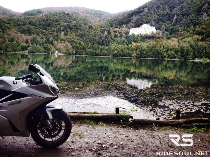 The vulcanian lake of Monticchio! #motorcycle #tour #italy