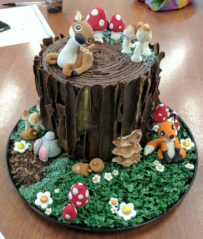Woodland cake! Black forest cake iced with chocolate ganache and decorated with chocolate 'bark' and fondant decorations. : Baking