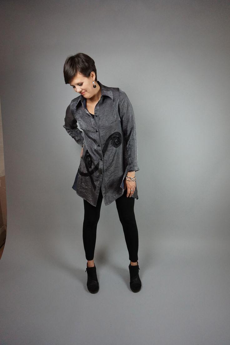 Swirl Blouse by Lousje & Bean http://www.lousjeandbean.ca/shop/swirl-blouse-crystal/ #crystal #swirls #artshoes #lousjeandbean  #leggings #tunictop #silver #canadianmade
