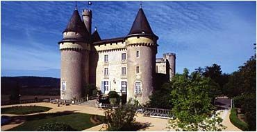 A spectacular view of Chateau de Mercues