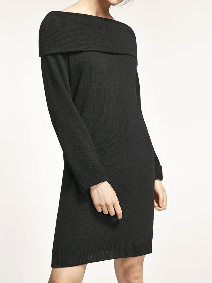 ΦΟΡΕΜΑ ΠΛΕΚΤΟ ΜΕ ΛΑΙΜΟΚΟΨΗ ΧΑΜΟΓΕΛΟ από ΓΥΝΑΊΚΑ - Φορέματα και Ολόσωμες φόρμες  της Massimo Dutti για την Φθινόπωρο χειμώνας 2017 με 75.95. Φυσική κομψότητα!